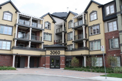 Rentmore.ca | Apartment in Burlington, Ontario - 2 Bedrooms - $1450 - Available Now - 1000sq ft. Bright Condo in Burlington - 2bdr, 2bths, 2parking